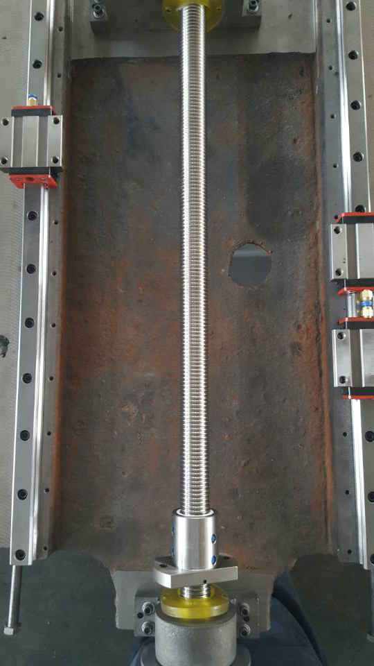 X,Y,U,V轴均采用全进口高精度台湾上银直线导轨及台湾上银高